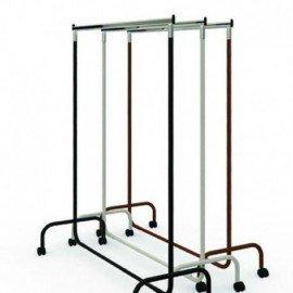 Penjador amb rodes d'altura fixa i 120 cm de llarg.